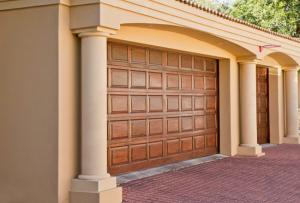 luxe-garagedeur-van-hout